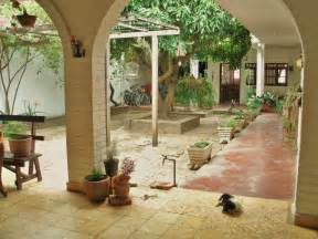 Marvelous Spanish Hacienda Floor Plans With Courtyards #2: Decorations-mexican-spanish-style-house-plans-hacienda-and-homes-with-courtyards-trends-in-florida.jpg