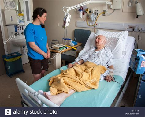 patient in hospital bed patient on hospital bed www pixshark com images