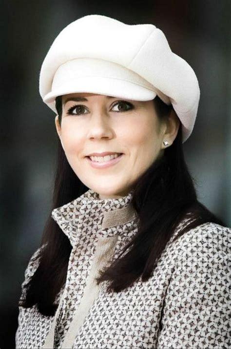 princess mary of denmark new bangs crown princess mary h r h c p m d hats pinterest