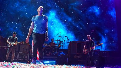 coldplay back to the star coldplay on twitter quot a sky full of stars