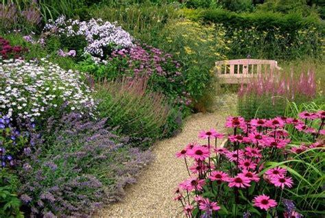 tipi di ghiaia ghiaia per giardini crea giardino sassi da giardino