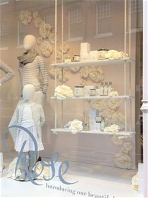 Stores That Sell Bathroom Accessories 1000 Images About Bath Displays Mannequins On Window Displays To Sell And White