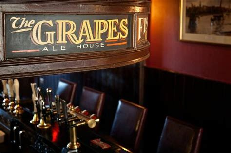 Family Restaurants Near Covent Garden - the grapes london docklands canary wharf isle of dogs restaurant reviews phone number