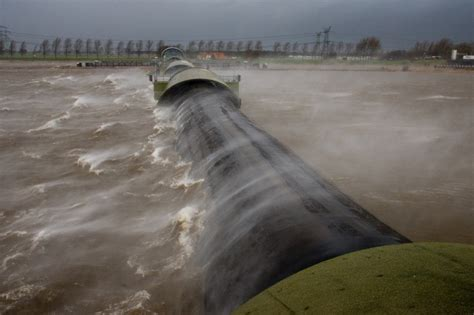 Thames Barrier Storm Surge | innovative projects