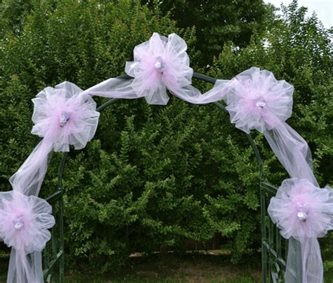 Wedding Arch Arrangement With Tulle by 10 Pretty Ideas For Using Wedding Arches Bestbride101