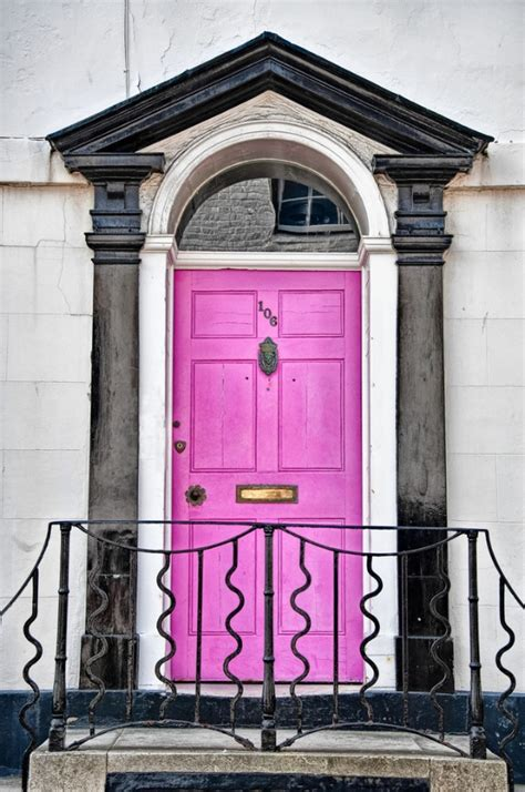 Pink Front Door Make A Dramatic Impression 15 Painted Front Doors