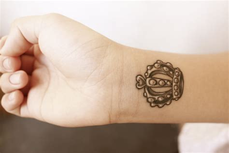 60 awesome crown tattoos on wrist