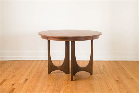 broyhill dining table broyhill brasilia dining table homestead seattle
