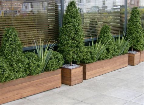 Banister Planters Best 25 Artificial Outdoor Plants Ideas On Pinterest