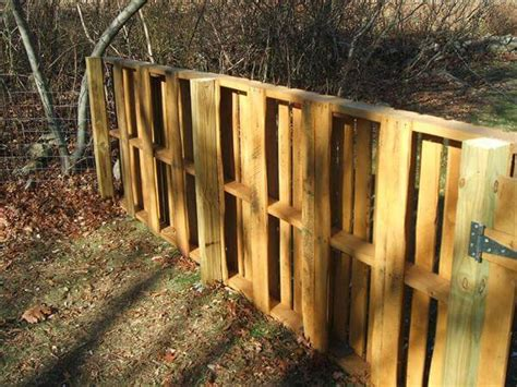 How Much Cost Fence Backyard Recycled Pallet Wood Fence 99 Pallets