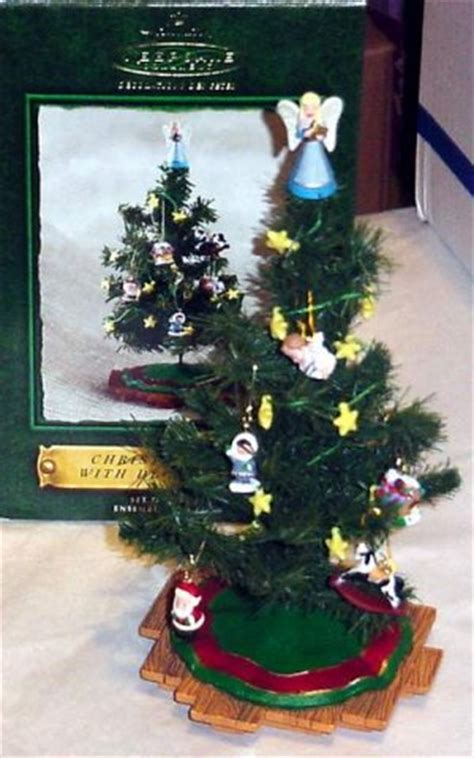 hallmark 2002 miniature christmas tree with decorations