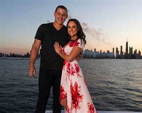 Baseball Centerpieces Chicago Cubs Player Anthony Rizzo Is Engaged