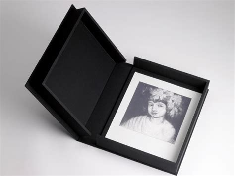 10 x 10 box black juncher design lipped clamshell portfoliobox