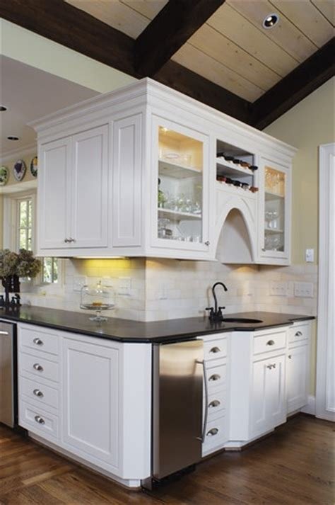 Wrap Around Kitchen Cabinets Wrap Around Kitchen Remodel Pinterest Traditional Traditional Kitchens And Wraps