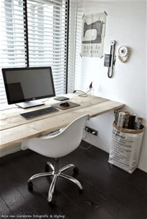 thomson one help desk 1000 ideas about floating desk on desks desk