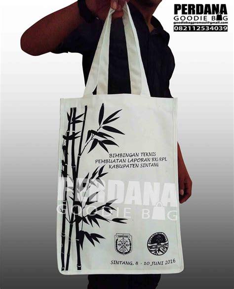 Souvenir Pernikahanpouch Baghandycraftgoodie Bag Kain Blacu Sablon gambar tas blacu produk perdana goodiebag tas kanvas