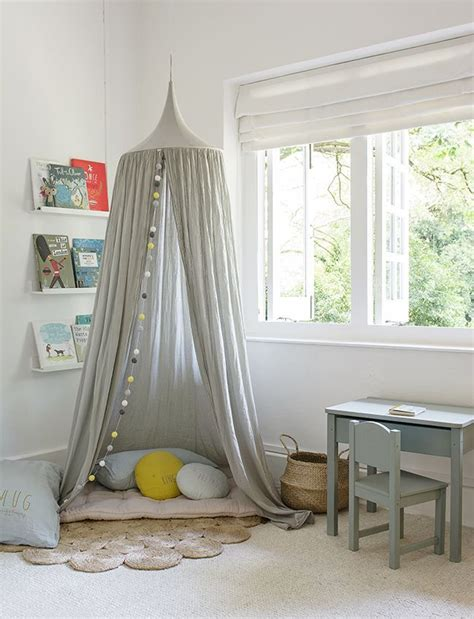 canopy room best 25 canopy ideas on bed canopy childrens bedrooms and bed curtains