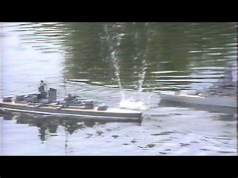 rc boats sinking youtube big gun rc combat 1 we sink ships youtube