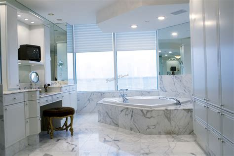 trends in bathrooms curtains for bathrooms latest trends in bathroom blinds ideas decorbathroomideas com