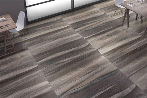 piastrelle legno stupende piastrelle effetto legno in ceramica e gres