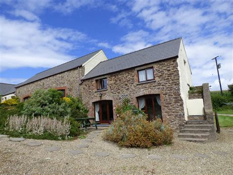 coachmans cottage nr st brides 4 star holiday cottage