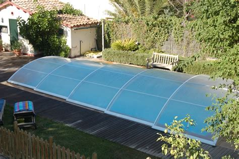 Incroyable Abri Bas Piscine Prix #1: Abri-de-piscine-telescopique-bas-prix-pas-cher-LIBREO.JPG