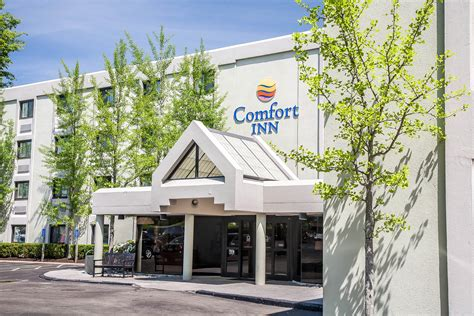 comfort inn west warwick ri comfort inn airport in warwick ri 401 732 0