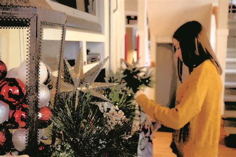 when to put up christmas decorations o tree students put up decorations not necessarily for religious aspect