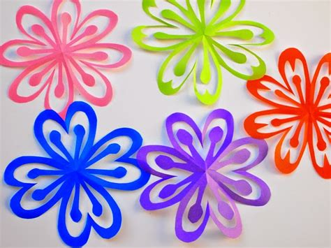 Paper Cutting Flowers Crafts - how to make colorful kirigami flowers pink stripey socks