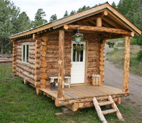 small cabins tiny houses on wheels small cabins tiny log cabin on wheels tiny homes on wheels pinterest