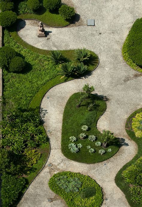 roberto burle marx ministry of health and education de janeiro gardens tile