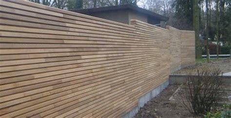 cloture en bois pour jardin pas cher la cl 244 ture de jardin en bois