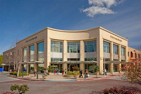 high profile retailers join palo alto shopping center
