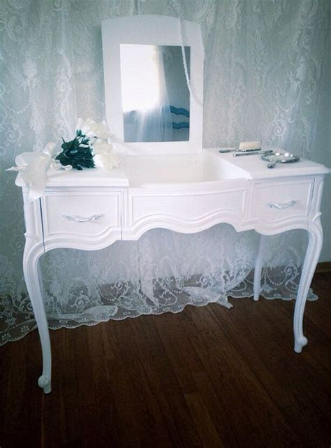white vanity desk with mirror best 25 white vanity desk ideas on makeup