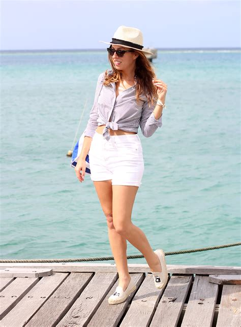 boat outfit what to wear on a boat boating outfit ideas sydne style
