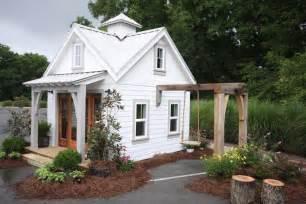 Tiny schoolhouse tiny house swoon