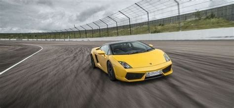 supercar driving experience drive a supercar at several top tracks experience days