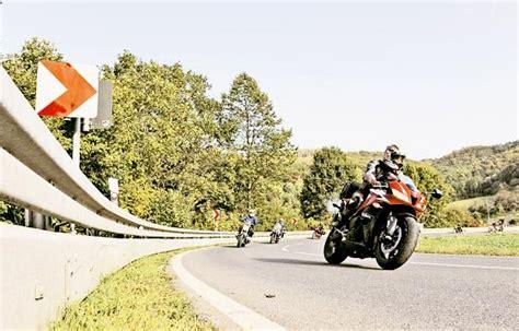 Motorradfahren Hitze by Adac Worauf Motorradfahrer Achten Sollten