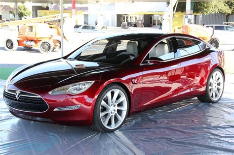 Tesla And Mercedes Tesla Outsells Mercedes Bmw And Audi In Us Luxury Car