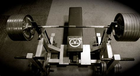 bench press assistance the 4 best bench press assistance exercises for intermediates