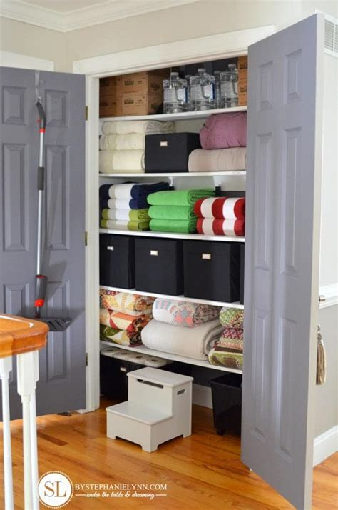 organizing your linen closet 15 tips and tricks for organizing your linen closet