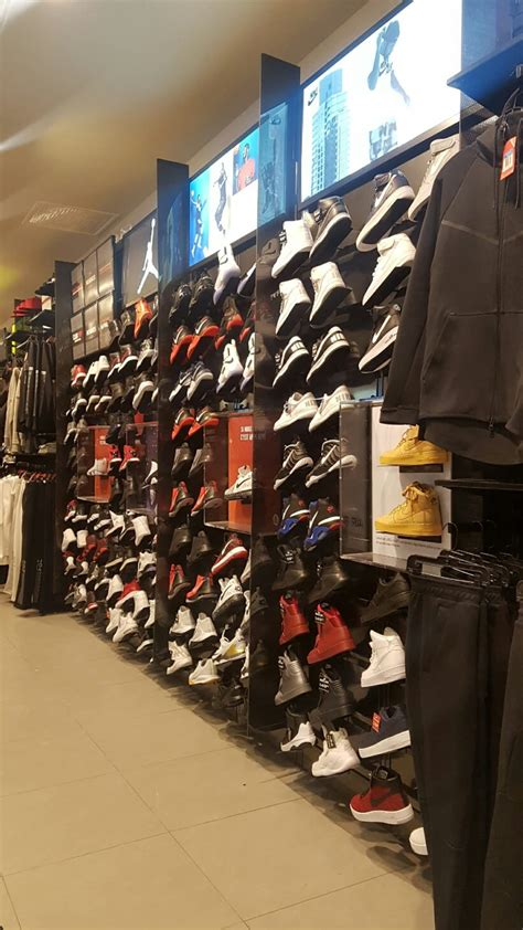 foot locker b8b 6815 aut transcanadienne pointe qc