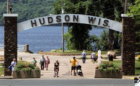 boat cruise hudson wi 5 things to do in hudson wisconsin statewide