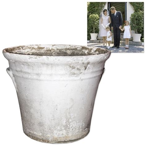 Who Owns Planters by Lot Detail Large Concrete Planter Owned By The Kennedys