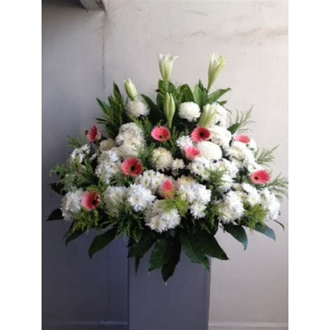 same day funeral flower delivery fromyouflowers qf0001 same day funeral flowers