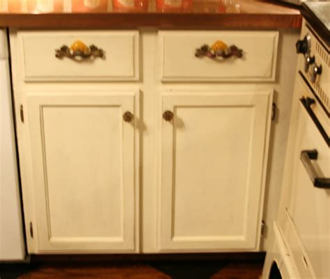 Chalk Painting Kitchen Cabinets Chalk Paint Kitchen Cabinets