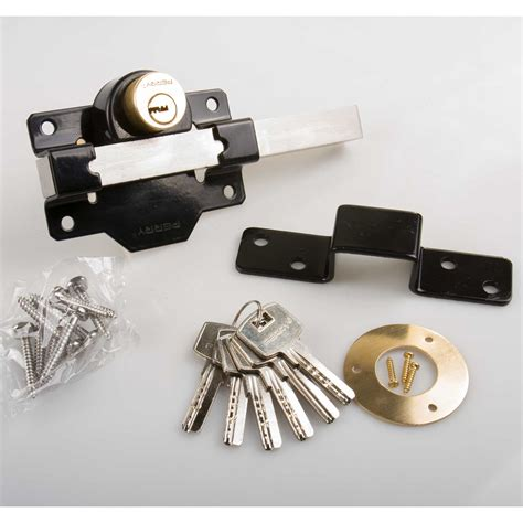 a perry high security throw garden gate door lock 5 both sides locking a perry