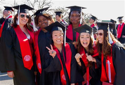 Graduating Honors Mba by For Graduates Commencement Ceremonies The