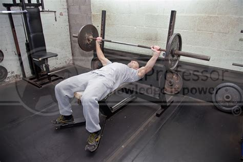 bench start wide grip bench press