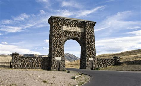roosevelt arch man sentenced for carving his initials into yellowstone